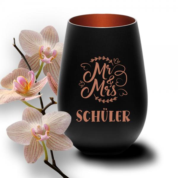 personalisiertes Windlicht mit Gravur Mr. & Mrs. zur Hochzeit schwarz-bronze