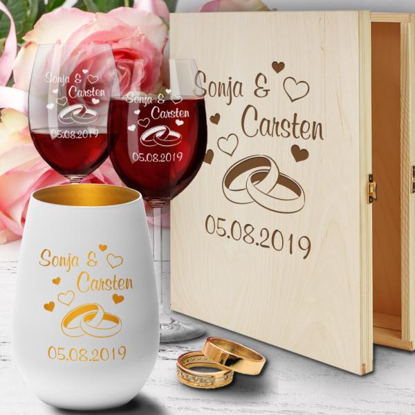 Holz-Geschenkbox zur Hochzeit mit Rotweingläsern und Windlicht  - Ringe