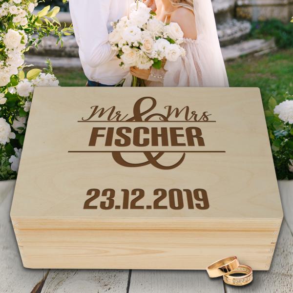 Personalisierte Erinnerungsbox Hochzeit Motiv Mr. & Mrs. mit Wunschgravur