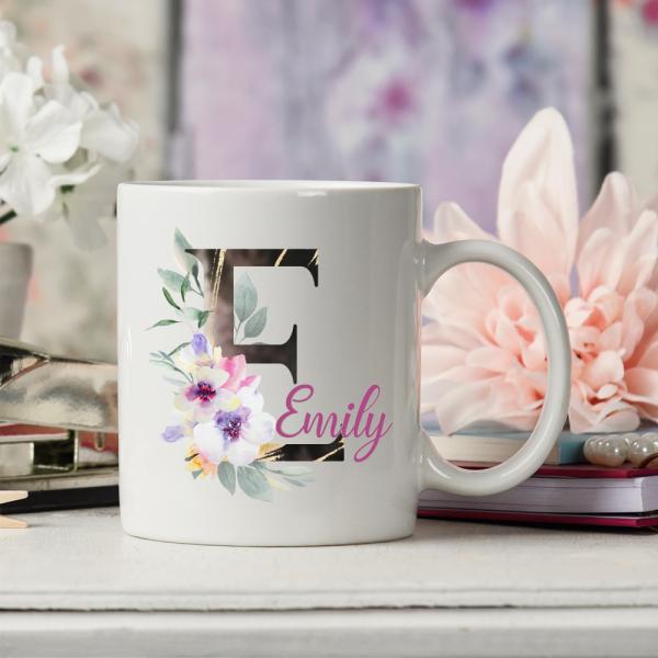 Tasse mit Buchstaben Initial Floral modern