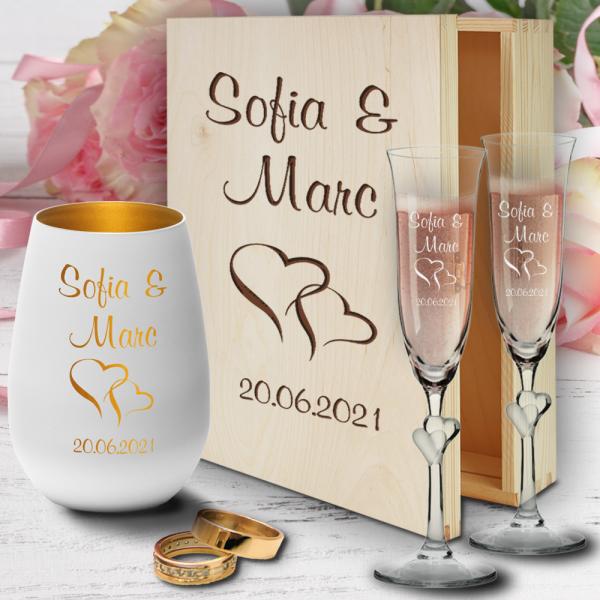 personalisierte Holzbox zur Hochzeit mit Sektgläsern Herzen und Windlicht - Motiv Herzen