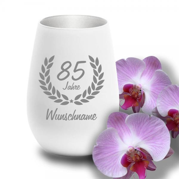 Windlicht zum 85. Geburtstag mit Deinem Wunschnamen weiss-silber
