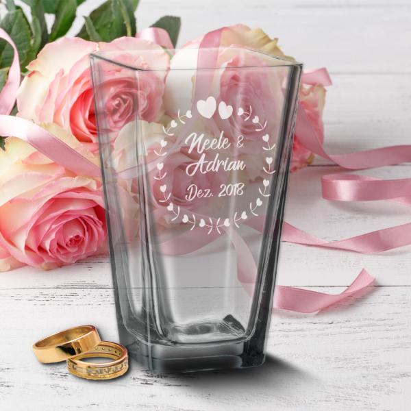 Vase mit Gravur zur Hochzeit mit Wunschnamen und Datum - Herzkreis