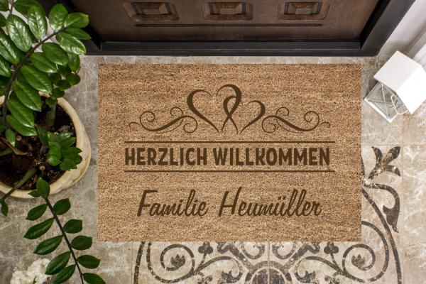 Fussmatte mit Herzranke + Familienname
