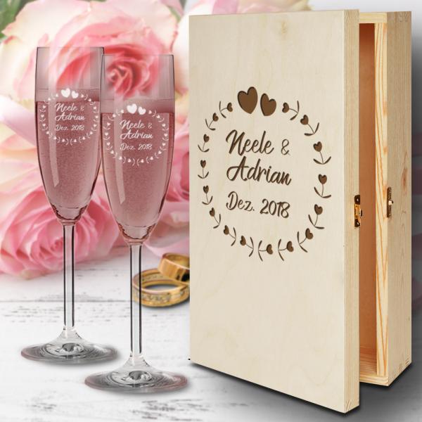 Zur Hochzeit Sektgläser mit Geschenkbox aus Holz - Herzkreis