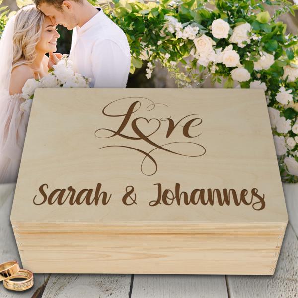 Personalisierte Erinnerungsbox Hochzeit Love mit Wunschnamen