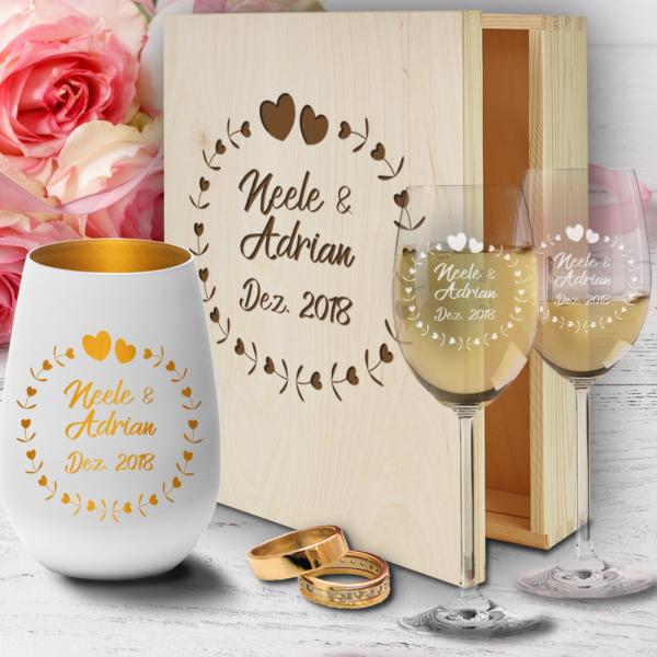 Geschenkbox aus Holz zur Hochzeit mit Weißweingläsern und Windlicht - Herzkreis