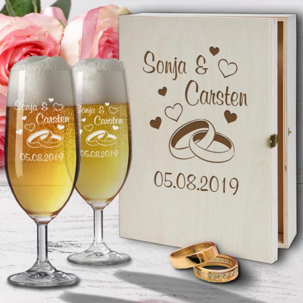 Personalisiertes Bierglas Geschenk-Set mit Holzkiste zur Hochzeit und Gravur - Ringe