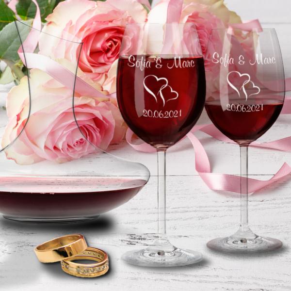 Leonardo Geschenk-Set zur Hochzeit: Rotweingläser und Dekanter mit Gravur -Herzen