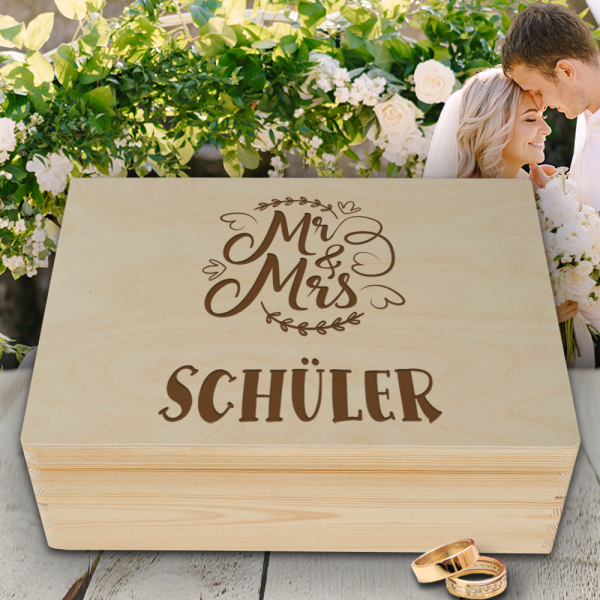 Personalisierte Erinnerungsbox Hochzeit Mrs. & Mrs. mit Wunschgravur