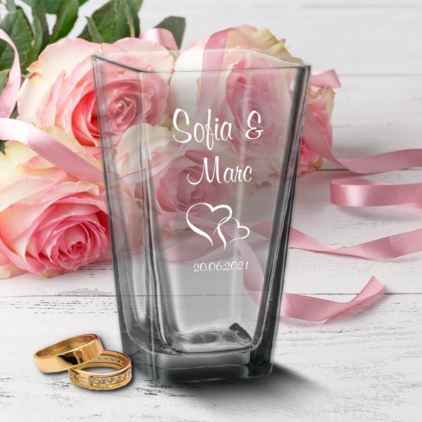 Vase zur Hochzeit mit Wunschnamen und Datum - Herzen